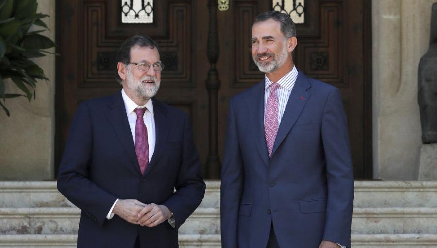 EL REY DESPACHA CON RAJOY EN PALACIO DE MARIVENT